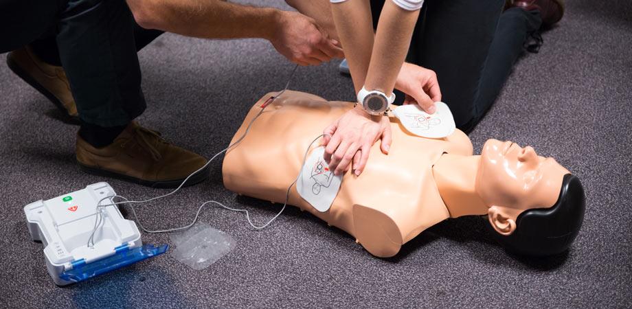 Corso defibrillatore DAE Reggio Emilia - 3C Salute