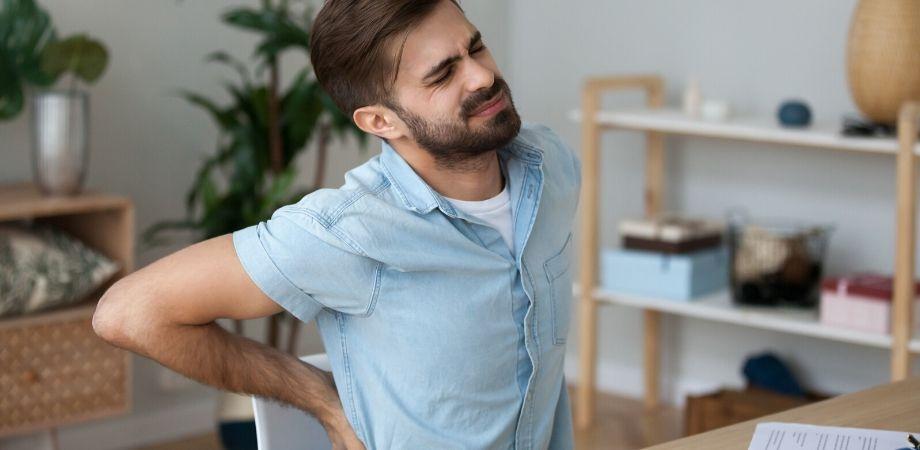 Smart working_ i consigli del fisioterapista per una postura corretta